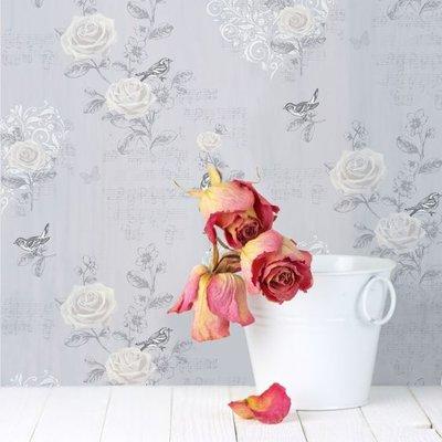 jenny wren  wallpaper zacht lila met zilveren vogels